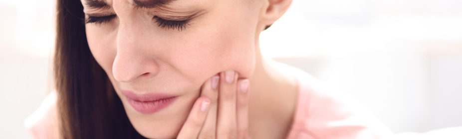 habits-to-avoid-to-keep-tmj-pain-away